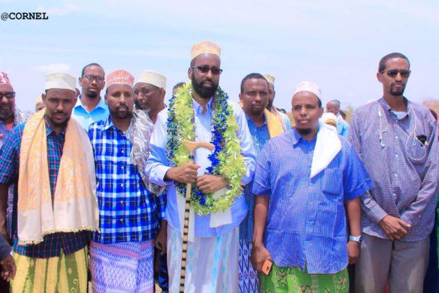 Sawiro:- FIQI Abdinaasir Mohamud Mire oo ka mid ah isimada Puntaland ayaa maanta si balaaran loogu soo dhaweeyey Magaalada dagmada Burtinle ee Gobolka Nugaal.